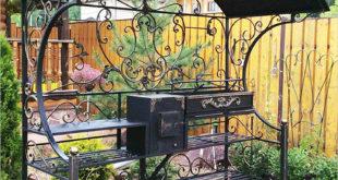 Продуманный дизайн и функциональные особенности мангалов с крышей