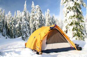 Как выбрать и подготовить место для зимнего кемпинга